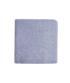 Écharpe en maille unie bleu clair.