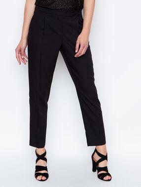 Pant black.