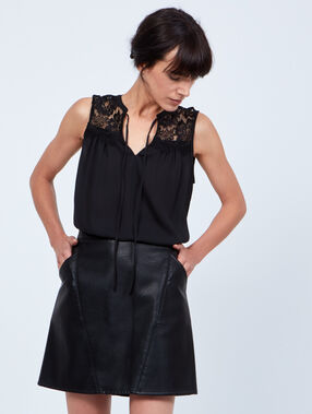 A-line skirt, leather effect black.