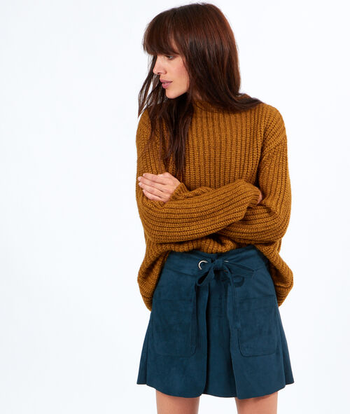 Pull tricot ample col montant