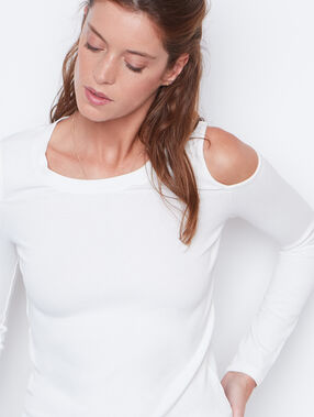 Long sleeve top white.