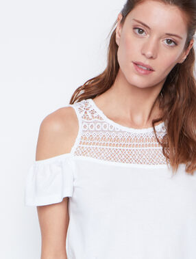 Cold shoulder top white.