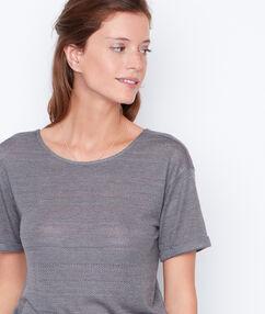 T-shirt manches courtes à col rond kaki.