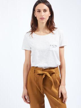 T-shirt poche brodée message blanc cassé.