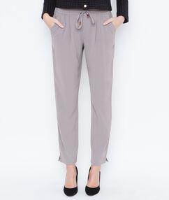 Pantalón holgado tipo chino c.gris.