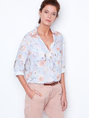 Shirt lightblue.