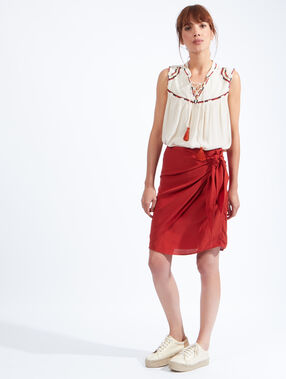 Wrap-over skirt red.
