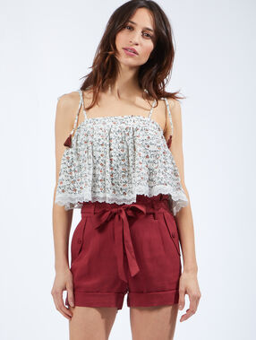 Short ceinturé en tencel bordeaux.