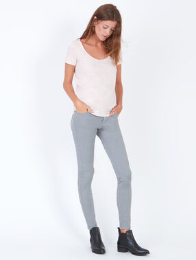 Skinny pants light grey.