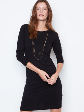Long sleeves dress black.