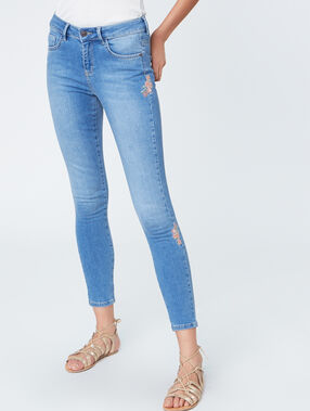 Embroidered slim jeans denim.