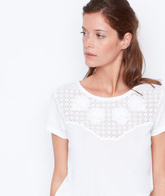 Top cuello redondo blanco.
