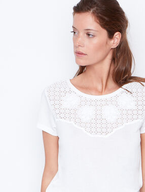 Short sleeve top white.