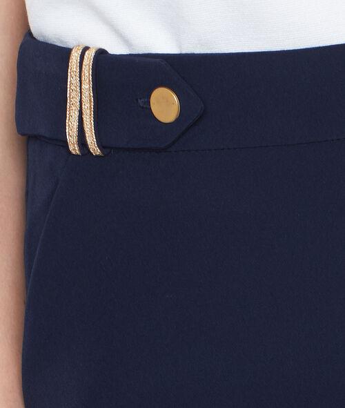 Short officier