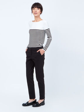 Pantalon à pince skinny 7/8 noir.