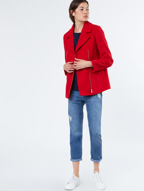 Manteau manches 3/4 rouge.
