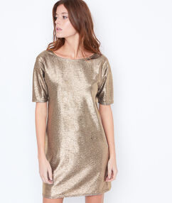 Robe effet métallisé or.
