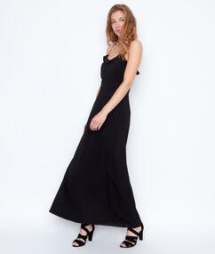 Robe longue à bretelles fines noir.
