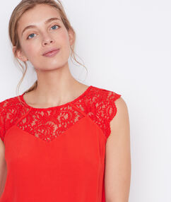 Lace sleeveless top red.