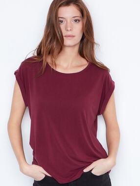 T-shirt à col rond prune.