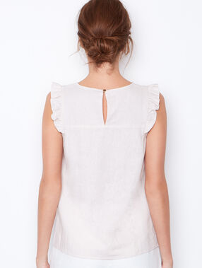 Sleeveless top nude.