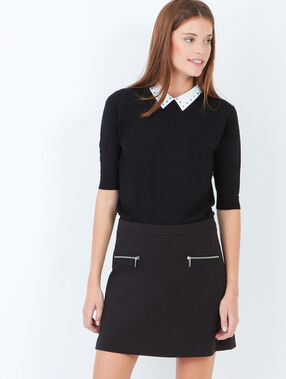 Two zip pockets a-line skirt black.
