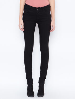 Jeans schwarz.