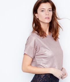 Camiseta manga corta efecto irisado rosa.