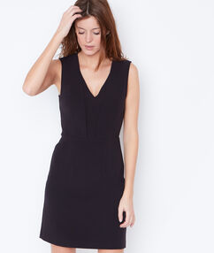 Sleeveless formal dress black.
