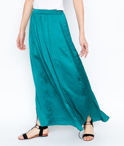 Long skirt emeraid.