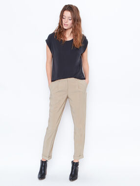 Cigarette trousers beige.