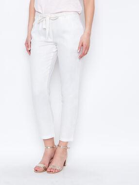 Linen carrot pants white.
