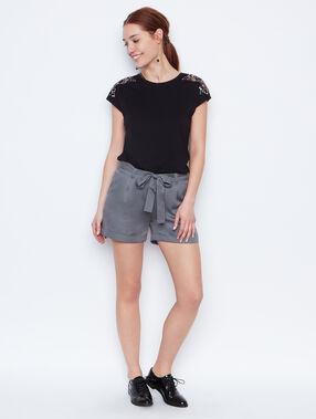 Short sleeve top black.