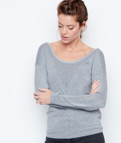 Pull col rond gris.