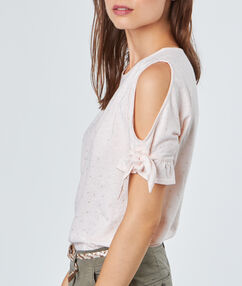 Open shoulder top nude.