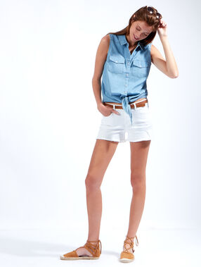 Sleeveless denim shirt bleach.