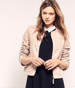 Veste à col rond effet cuir rose poudre.
