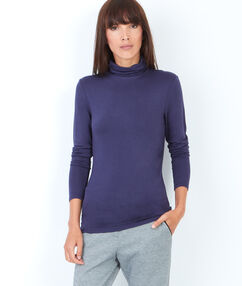 Long sleeve turtleneck top purple blue.