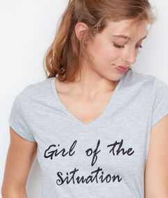 T-shirt col v gris.