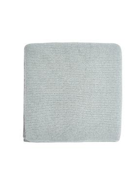 Écharpe en maille unie gris.