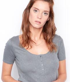 Short sleeve t-shirt khaki.