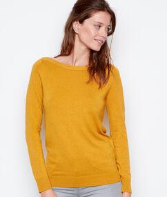 Sweater yellow.