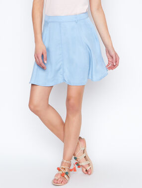 Flowing skirt blue.