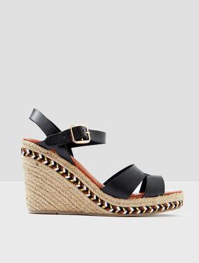 Sandales à talon compensé noir.
