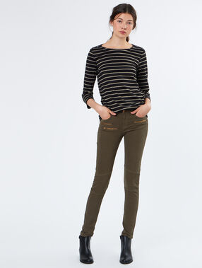 Cotton slim pants khaki.