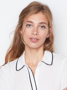 Long sleeves shirt white.
