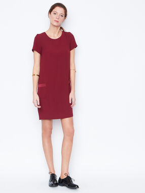 Short sleeves dress plum.