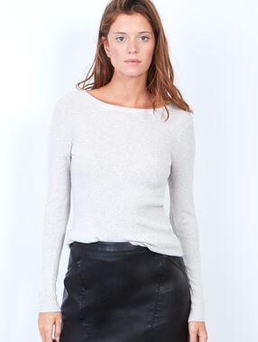 Pullover weiß.