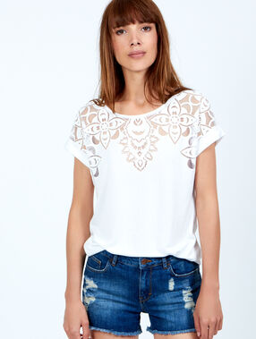 T-shirt dentelle blanc.