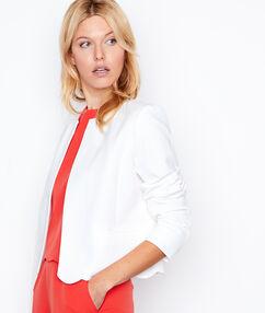 Veste courte blanc.